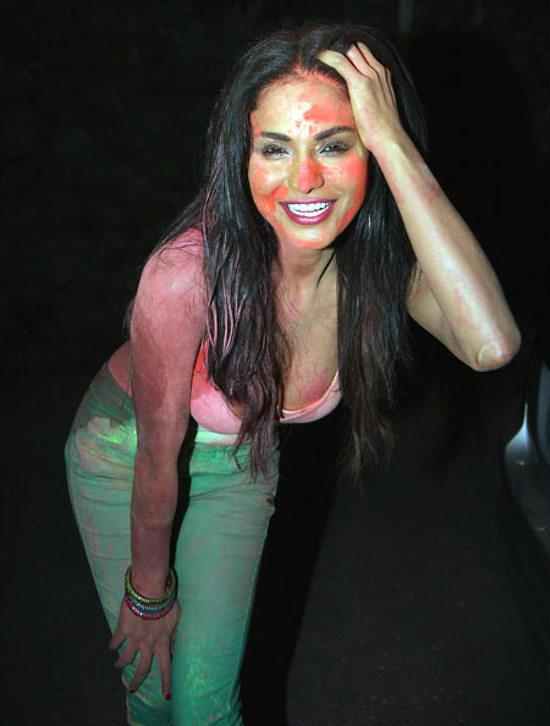 Pictures Veena Malik Celebrates Holi Talk Bollywood