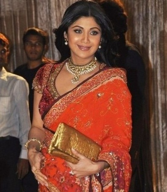 shilpa-shetty-enjoying-her-pregnancy