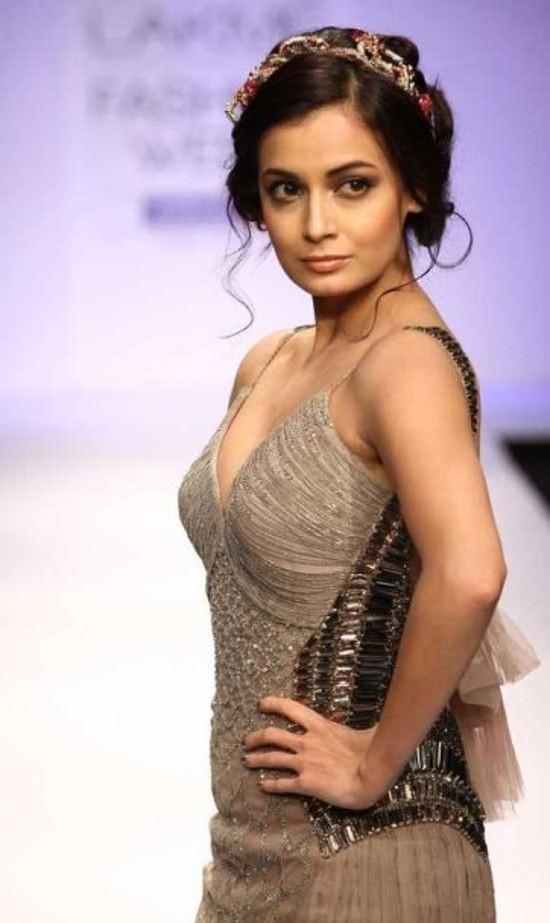 Diya-Mirza-at-Lakme-fashion-Week-2012-Pictures-and-Photos
