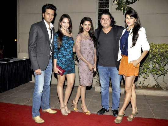 Housefull 2 stars on a promotional spree - Pictures - Talk ...