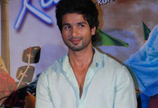 Priyanka and Shahid at Teri Meri Kahaani Trailer launch ...
