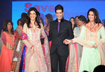 stars-walk-the-ramp-for-manish-malhotra-at-the-save-girl-child-campaign-1