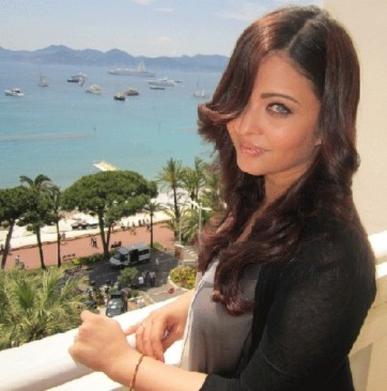 Aishwarya-Rai-At-Cannes-2012-Picture-1