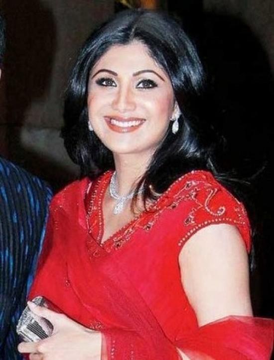 Shilpa-Shetty-Gives-Birth-To-Baby-Boy-Thumbnail