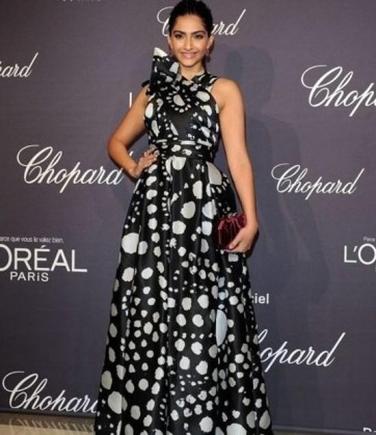 Sonam-Kapoor-At-Cannes-2012