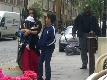 Aishwarya-With-Aaradhya-In-London