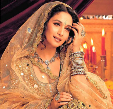 Madhuri-Tops-Online-Poll-For-Best-Actress-Of-All-Times