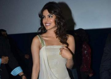 Priyanka-style-o-meter-at-dubai-premiere-of-Teri-Meri-Kahaani