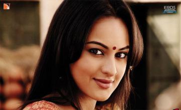 Sonakshi-Sinha-100-Crore-Films