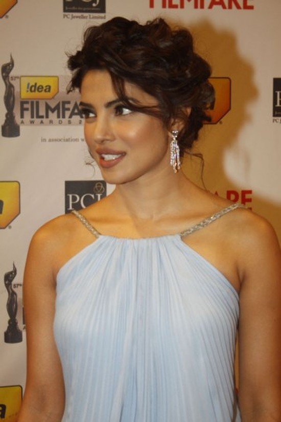 Priyanka-Chopra-Back-On-Twitter