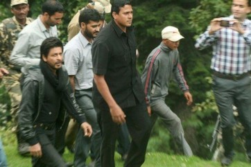 shahrukh-khan-on-the-sets-of-yash-chopras-next-in-Kashmir-1