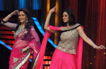 Sridevi-And-Madhuri-On-Jhalak-Dikhla-Jaa
