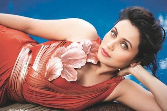 http://www.talkbollywood.com/wp-content/uploads/2012/10/Rani-Mukherjee-Filmfare-November-2012-Scan-4.jpg