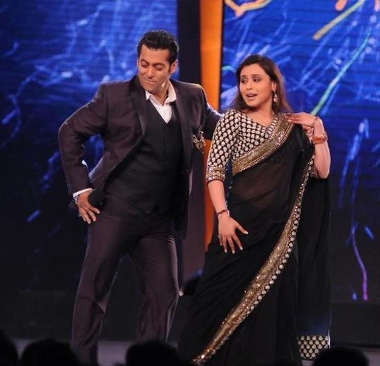 Pics: Salman Khan with Rani Mukherjee on Bigg Boss 6 ...