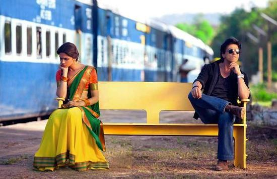 Deepika-Padukone-Shahrukh-Khan-Chennai-Express-Pic