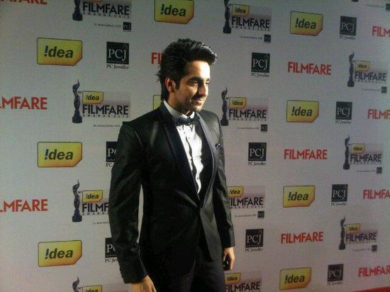 Ayushmann-Khurrana-Filmfare Awards 2013