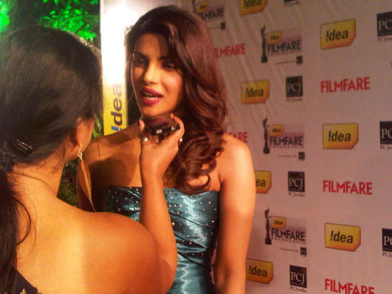 Priyanka-Chopra-At-Filmfare-Awards-2013