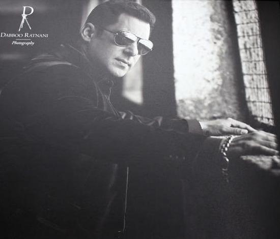Salman Khan-Dabboo Ratnani 2013 Calendar-Pic