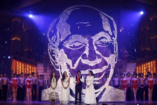 Shahrukh-Katrina-Anushka-Karishma-Tribute To Yash Chopra-ZCA