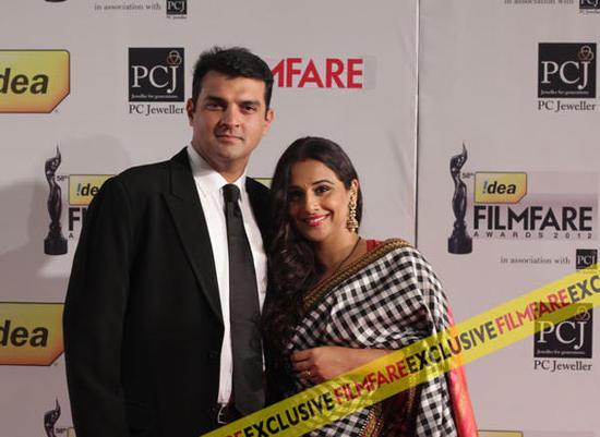 Vidya-Balan-Filmfare-Awards-2013