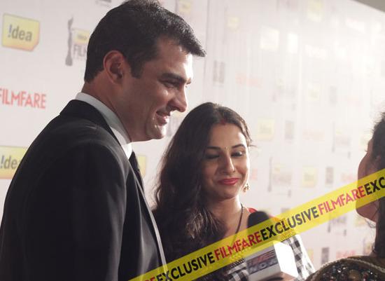 Vidya-Balan-Sidharth-Kapoor-At-Filmfare-Awards-2013