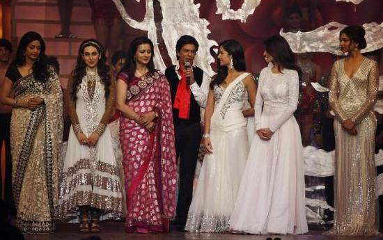 Yash Chopra Heroines-At-Zee Cine Awards 2013