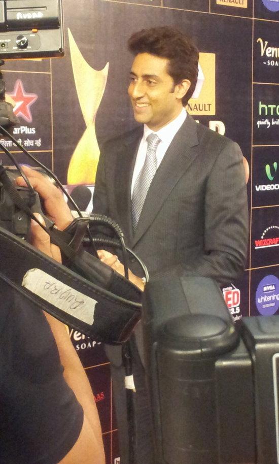 Abhishek-Bachchan-At-Star-Guild-Awards-2013