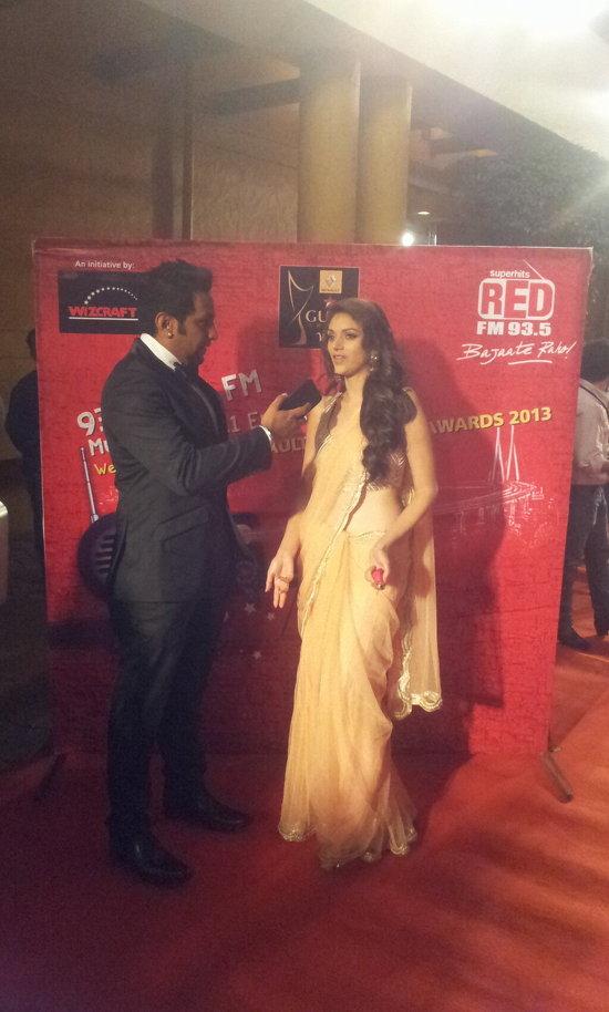 Aditi-Rao-Hydari-At-Star-Guild-Awards-2013