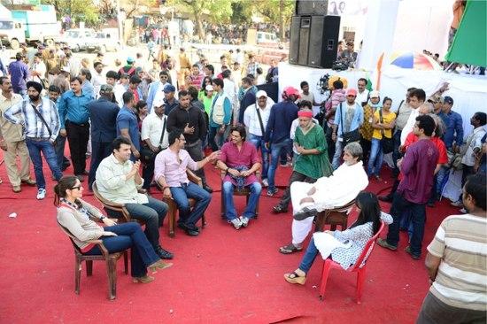 Amitabh-Kareena-Ajay-Arjun-Amrita-On-Sets-Of-Satyagraha