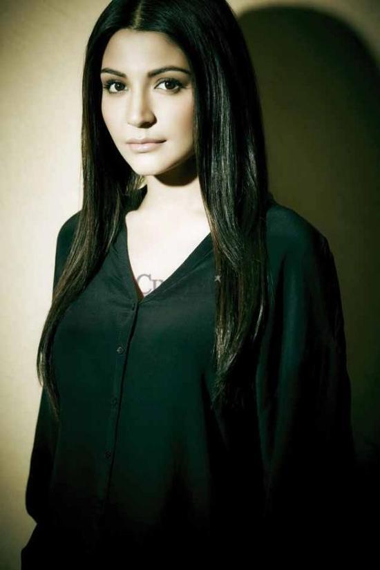 Anushka-Sharma-Cineblitz-Feb-2013-Scans-1