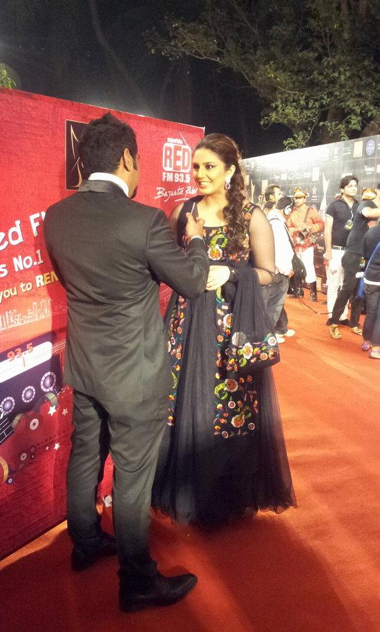 Huma-Qureshi-At-Star-Guild-Awards-2013
