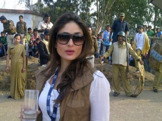 Kareena-Kapoor-On-Sets-Of-Satyagraha