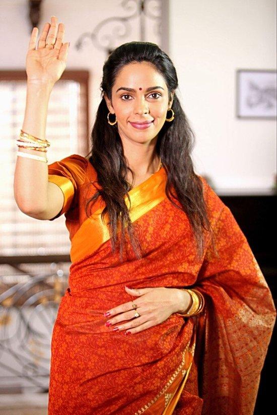 Mallika-Sherawat-In-Dirty-Politics-Pic