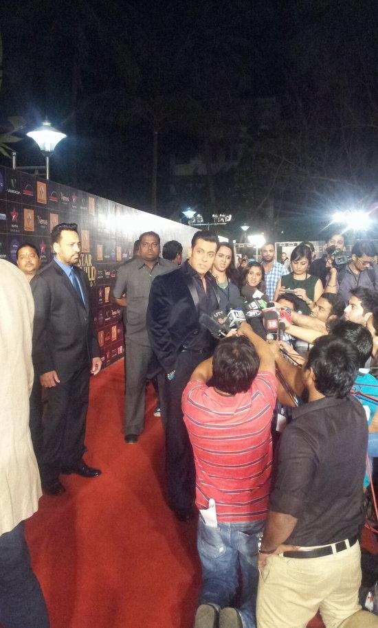 Salman-Khan-At-Star-Guild-Awards-2013-Pic-2