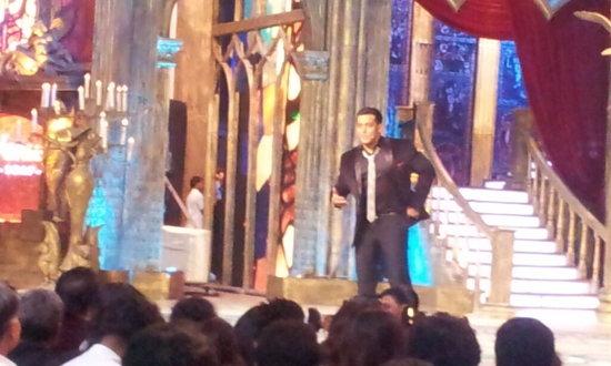 Salman-Khan-At-Star-Guild-Awards-2013-Pic