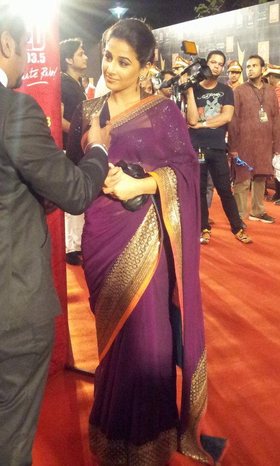Vidya-Balan-At-Star-Guild-Awards-2013