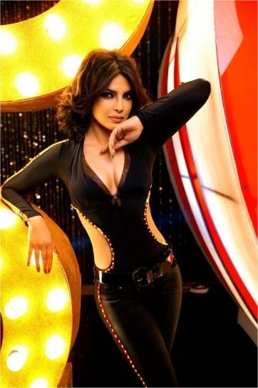 Priyanka-Chopra-In-Babli-Badmaash-Hai-Song