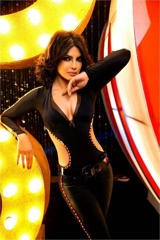 Priyanka-Chopra-In-Babli-Badmaash-Hai-Song