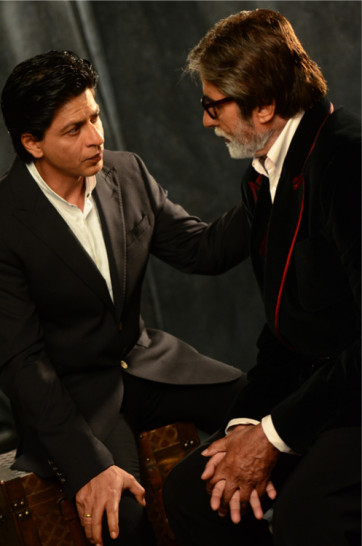 Shahrukh-Khan-Amitabh-Bachchan-Filmfare-100-Year-Of-Cinema-Shoot