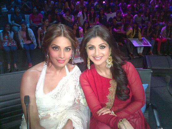 Shilpa-Shetty-Bipasha-Basu-On-Nach-Baliye-5