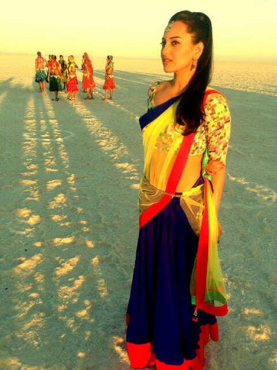 Sonakshi-Sinha-On-Sets-Of-Rambo-Rajkumar