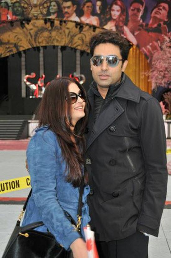 Abhishek-Bachchan-Aishwarya-Rai-In-Vancouver-TOIFA