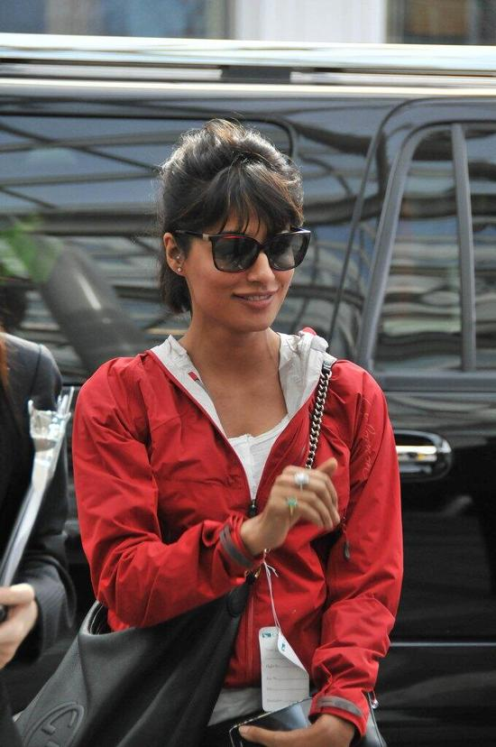 Chitrangada-Singh-Arrives-In-Vancouver-For-TOIFA