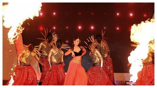 Katrina-Kaif-At-IPL-6-Opening-Ceremony