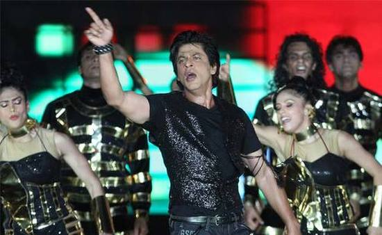 SRK-Performing-At-IPL-6-Opening-Ceremony