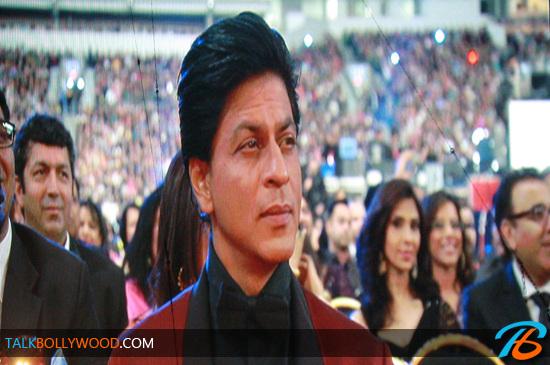 Shahrukh-Khan-TOIFA-Awards-tbwm