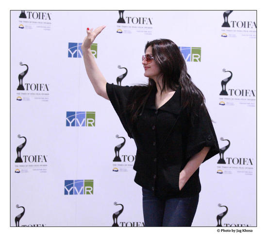 Zarine-Khan-Arrives-In-Vancouver-For-TOIFA