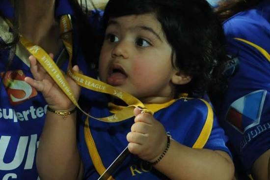 shilpa-shetty-son-viann-photo