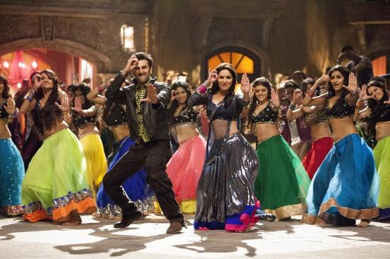 Madhuri-Ranbir-In-Ghagra-Song-YJHD