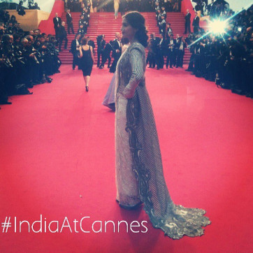 Sonam-Kapoor-At-The-Great-Gatsby-Screening-Cannes-2013